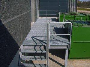 593A. Udvendig trappe til læsserampe