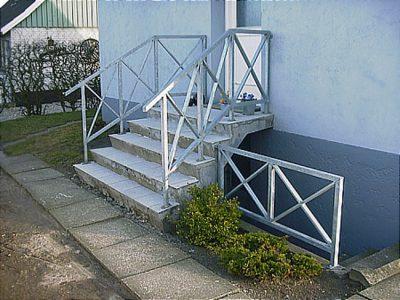 592-vaern-gelaender-for-udvendig-trappe-og-kaelder-nedgang 2